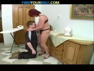 Penis di belahan dada mama dan putra keluarga seductions 09
