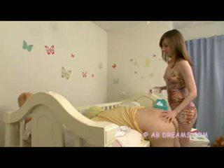 echt vriendje actie, online babysitter, controleren diaper gepost