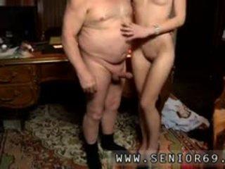 pijpbeurt gepost, oude + young seks, controleren kleine tieten porno