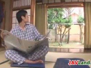 Sexy japanisch hausfrau mit groß titten