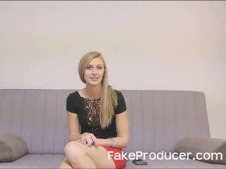 Groß blond alexa grace lutschen ab fakeproducer