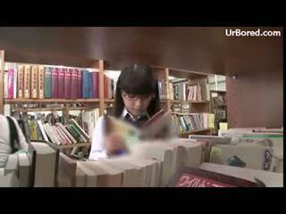 online geboord vid, plezier schoolmeisje, een geek