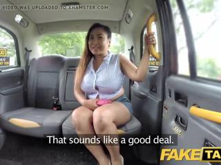 Fake taxi tailandietiškas masseuse su didelis papai works jos magic