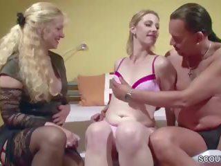 Lesbisch Mutter-Tochter-Swap pin it