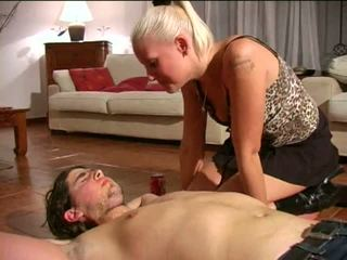 Spitting dominación femenina: gratis bdsm porno vídeo e1