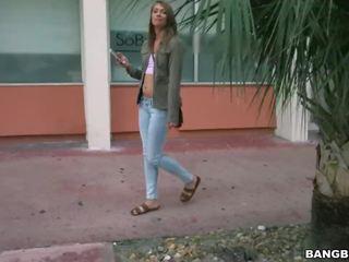 groot brunette, tieners video-