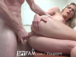 סקס אנאלי, מציצה, סקס, ציצים גדולים