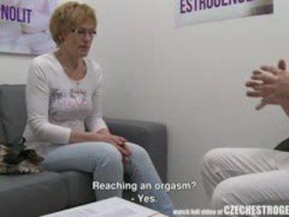成熟 捷克语 女人 squirting 同 estrogenolit