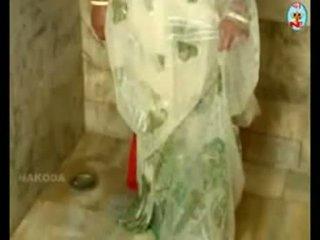Sexy Mallu Aunty Actress Bath Secence