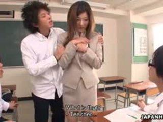 een college scène, kijken japanse, pijpbeurt mov
