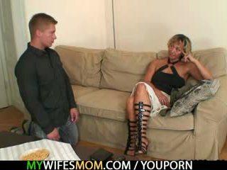 Het mor i lag agrees till suga hans kåta kuk