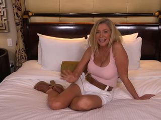 Sweet Mature Faye: Free Wife Porn Video e8