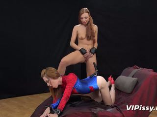 squirting, sex toys, lesbians