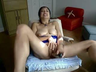 Asijské zralý horký masturbation v webkamera
