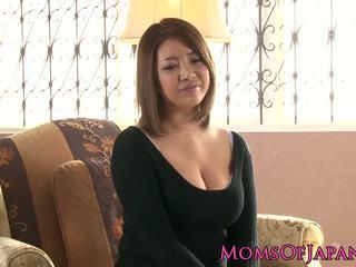 Suaugę japoniškas mamytė toyed ir throatfucked