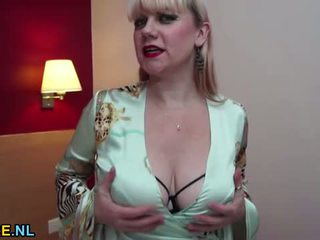 speelgoed kanaal, kaukasisch klem, vaginale masturbatie scène