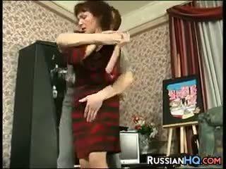 Matura russo scopata da un giovane guy