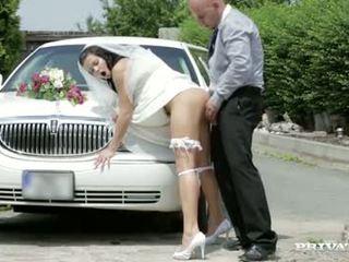 Zde cums the nevěsta