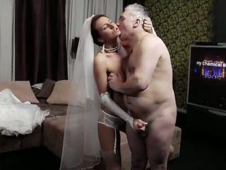 Naughty-hotties.net - vieux homme et une jeune jeune mariée - porno vidéo 661