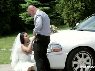Here cums the Bride - Redt