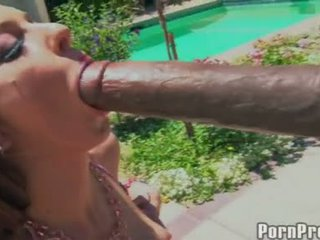 Dong Freak Stephanie Kane Thumps A Gigantic Dong In Her Mouth And Enjoys It