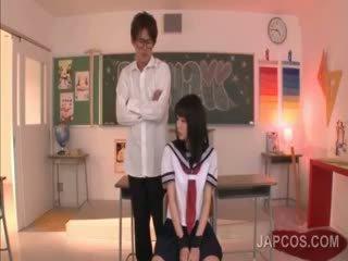 看 日本, 满 制服 额定, 看 物神