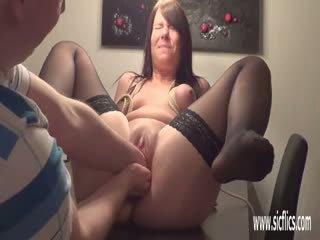 Double com o punho dela greedy jovem grávida cona