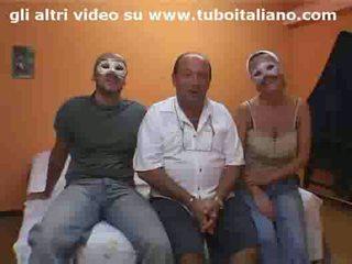 Troia incorna marito amatoriale! italian slut cuckolds hubby