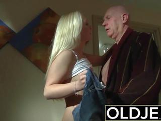Kåta morgon kön gammal ung porr flickvän gets körd