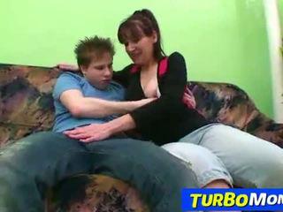 Tepos nevasta de casa karin sex cu o adolescenta baiat