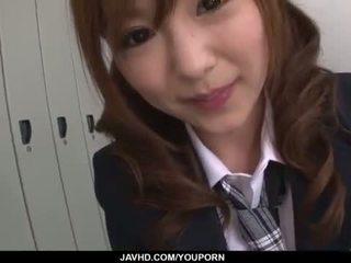 Miku airi 亚洲人 女学生 blows 一 大 迪克
