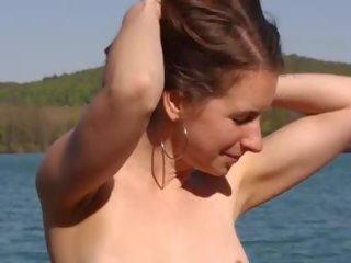 strand porno, grote natuurlijke tieten, echt vrouw