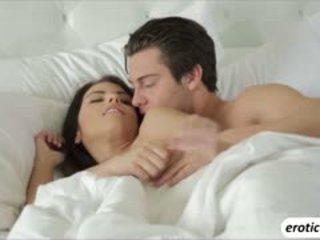 An Erotic Morning For Two Lovers