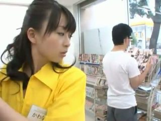 Kiinalainen neiti has shaged valtava sisään hänen trimmed cave