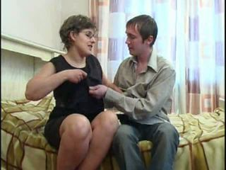 grote tieten, vol moms and boys thumbnail, heet mature amateur