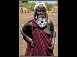 Nigerian natūralus afrikietiškas mergaitė