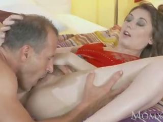 Mãe bela natural mulher com peluda cona gets ejaculação interna depois quente 69