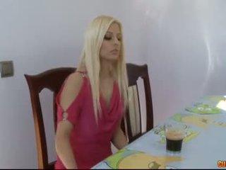 Hungry pagbuga ng tamod eaters-jessie volt