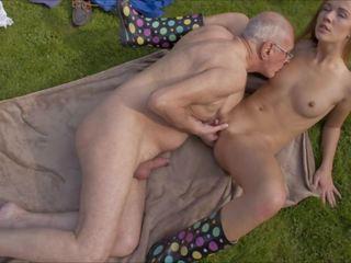 oude + young neuken, echt hardcore porno