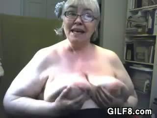 Chất béo bà nội với to và saggy ngực