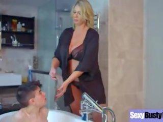 heetste badkamer film, moms and boys
