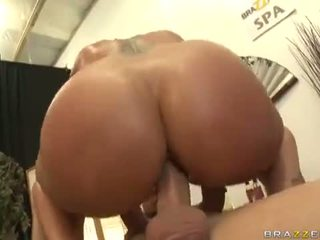 Flower tucci in sophisticated silit destruction