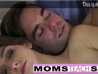 ホット ママ と ステップ 息子 ファック 若い ガールフレンド