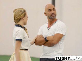 Tushy în primul rând anal pentru tenis student aubrey stea