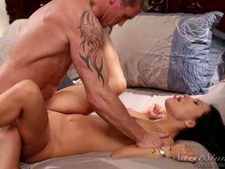 Picante asiática asa akira en fetichista dormitorio acción con marcus