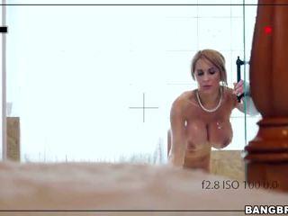 Madrastra - porno vídeo 121