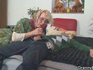Lonely 70 years старий бабуся slammed від за: hd порно 50