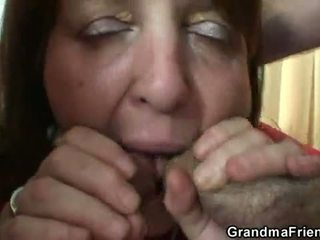Tuhma mummi takes two rods