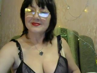 Sweet Glasses Mom: Free Homemade Porn Video d9