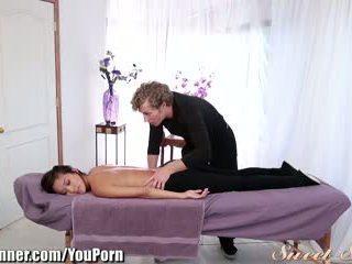 Sweetsinner alina li doggystle на масаж стіл
